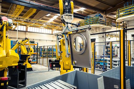 Efficiency「Industrial Robot in Factory」:スマホ壁紙(5)