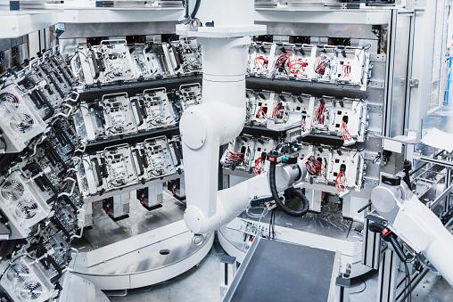 Robot Arm「Industrial robot in factory」:スマホ壁紙(14)