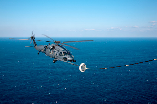 Industrial Hose「An HH-60 Pave Hawk refuels over the Pacific Ocean.」:スマホ壁紙(17)
