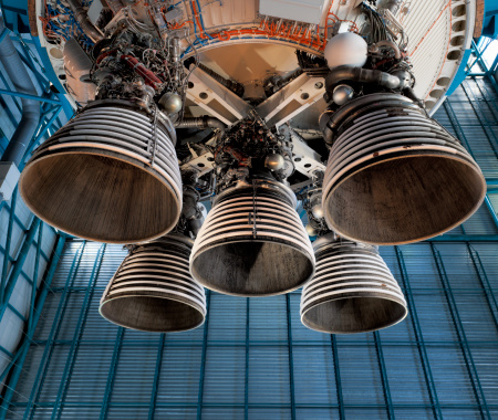 Spacecraft「Saturn 5 rocket engine and exhaust pipes」:スマホ壁紙(16)