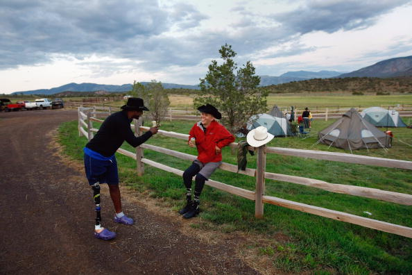 Daniel Gi「Severely Wounded Troops Attend Outdoor Summer Retreat In Vail, Colorado」:写真・画像(8)[壁紙.com]