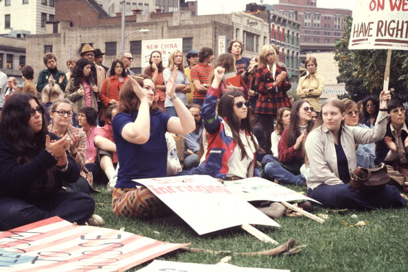1970-1979「Crowd At A Reproductive Rights Rally」:写真・画像(16)[壁紙.com]