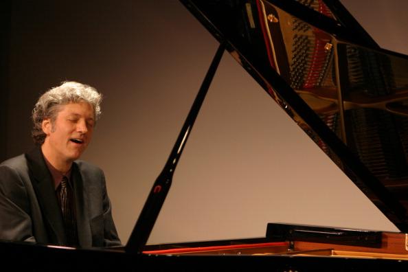 Classical Concert「Leoniade: 32 Beethoven Piano Sonatas」:写真・画像(7)[壁紙.com]