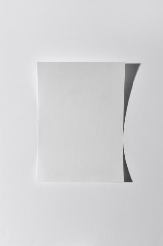Single Object「Paper on white background」:スマホ壁紙(5)