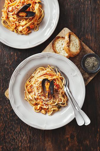Mollusk「Italian Seafood Pasta with Mussels and Calamari」:スマホ壁紙(9)