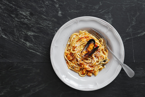 Mollusk「Italian Seafood Pasta with Mussels and Calamari」:スマホ壁紙(10)