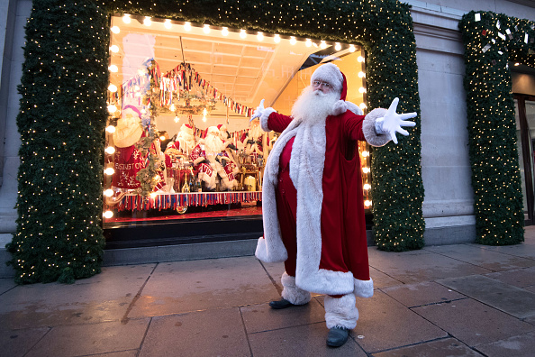Santa Claus「Selfridges Unveils Its Christmas Window」:写真・画像(16)[壁紙.com]