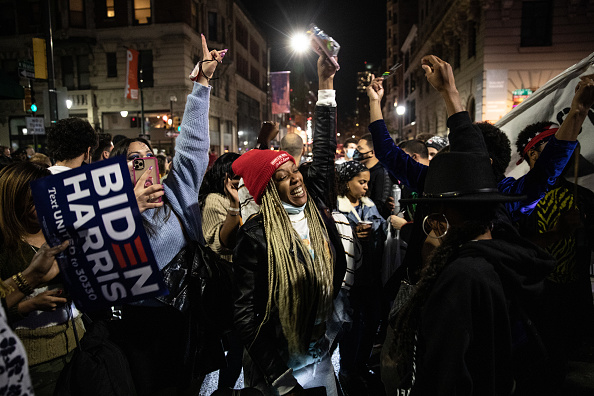 Winning「Supporters Of Joe Biden Celebrate Across The Country, After Major Networks Project Him Winning The Presidency」:写真・画像(11)[壁紙.com]