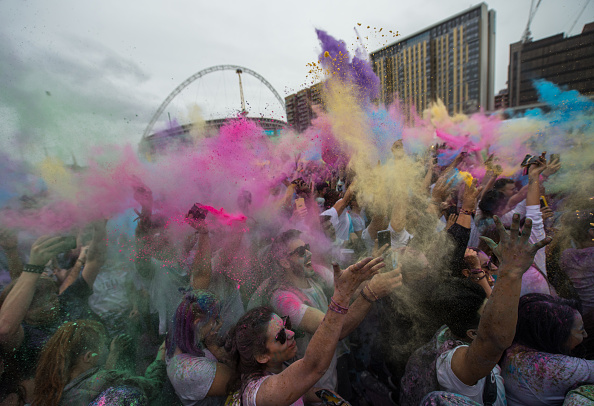 Hinduism「Holi Festival Of Colours Is Celebrated In London」:写真・画像(4)[壁紙.com]