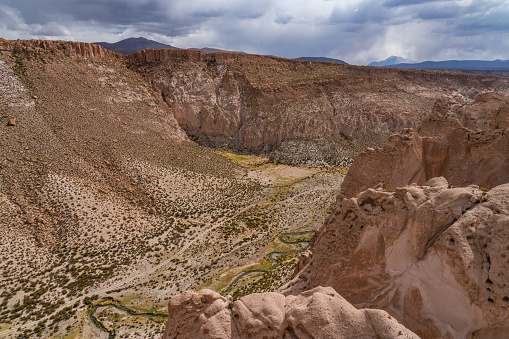 Bolivian Andes「Dramatic rock formations of the Devil's Canyon, Bolivian Andes, Bolivia」:スマホ壁紙(7)