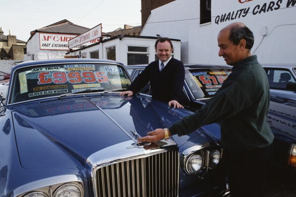 Tom Stoddart Archive「Used Car Salesman」:写真・画像(10)[壁紙.com]