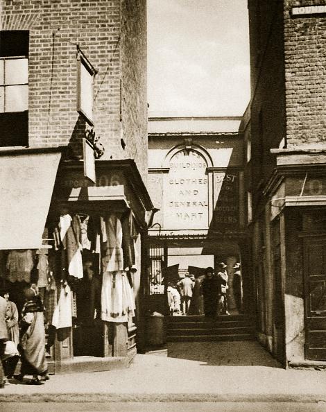 Avenue「Houndsditch Clothing Market London 20th Century」:写真・画像(3)[壁紙.com]