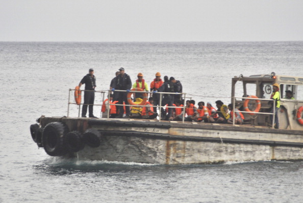 Ship「Rescue Underway After Asylum Seeker Boat Capsizes」:写真・画像(9)[壁紙.com]