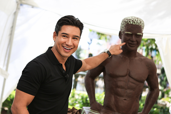 Mario Lopez「Mario Lopez Unveils Dove Silky Smooth Mint & Dark Chocolate Swirl」:写真・画像(3)[壁紙.com]