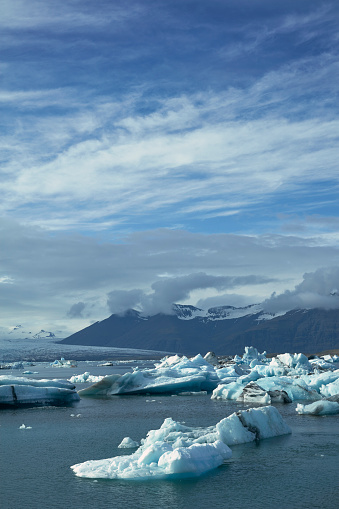 Glacier Bay National Park「Glacier lagoon with dramatic sky」:スマホ壁紙(7)