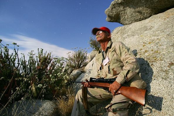 Vigilante「Minutemen Break-Away Group Patrols California-Mexico Border」:写真・画像(1)[壁紙.com]