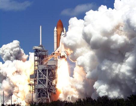 Space Shuttle Endeavor「Liftoff of Space Shuttle Endeavour」:写真・画像(14)[壁紙.com]