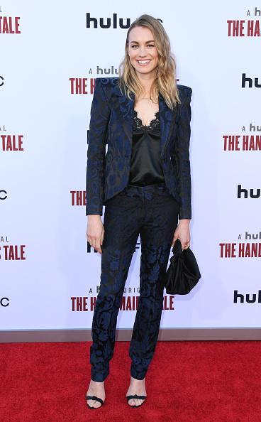 "Yvonne Strahovski「Hulu's ""The Handmaid's Tale"" Celebrates Season 3 Finale - Arrivals」:写真・画像(8)[壁紙.com]"