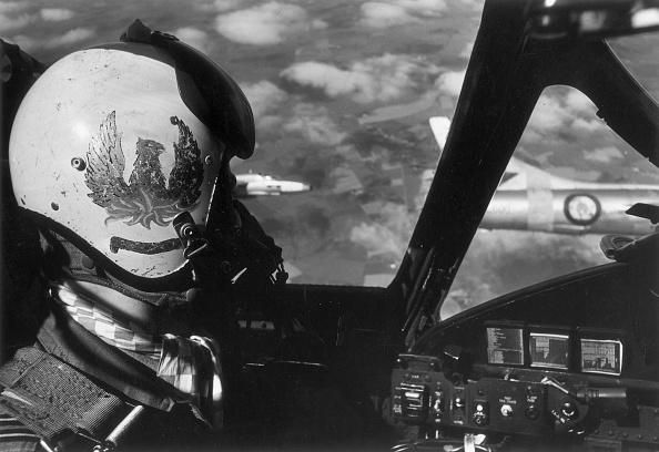 Victor Blackman「Red Arrow」:写真・画像(1)[壁紙.com]