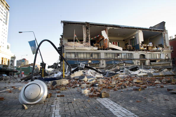 Damaged「Earthquake Rocks New Zealand's South Island」:写真・画像(6)[壁紙.com]