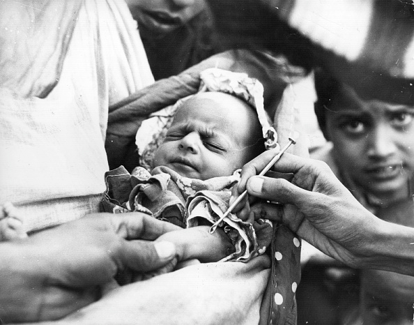 History「Vaccinating Baby」:写真・画像(7)[壁紙.com]