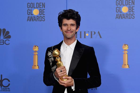 Golden Globe Award trophy「76th Annual Golden Globe Awards - Press Room」:写真・画像(6)[壁紙.com]