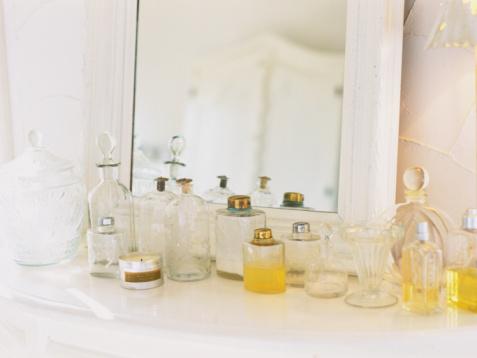 Dressing Table「Perfume」:スマホ壁紙(0)