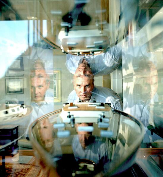 Science and Technology「DNA Specialist Craig Venter of Celera Genomics Inc.」:写真・画像(9)[壁紙.com]