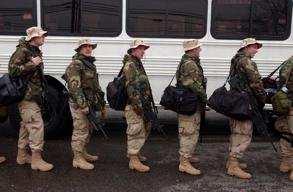 Medium Group Of People「U.S. National Guard Unit Heads To Iraq」:写真・画像(11)[壁紙.com]