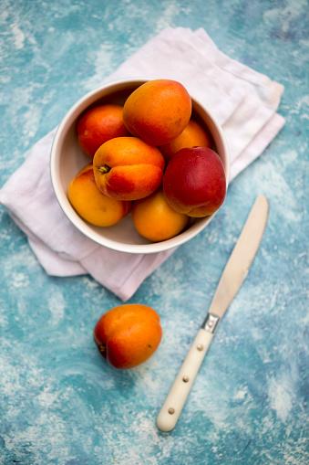 杏「Bowl of apricots and nectarines」:スマホ壁紙(19)