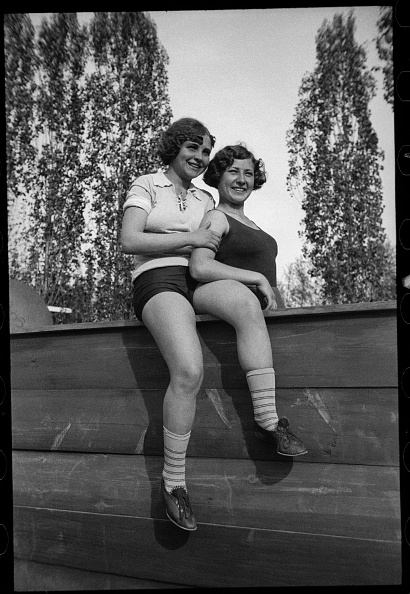 Max Penson「Two Sportswomen」:写真・画像(1)[壁紙.com]