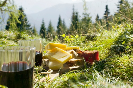 Picnic「Bread, cheese and ham by glasses with red wine in meadow」:スマホ壁紙(8)
