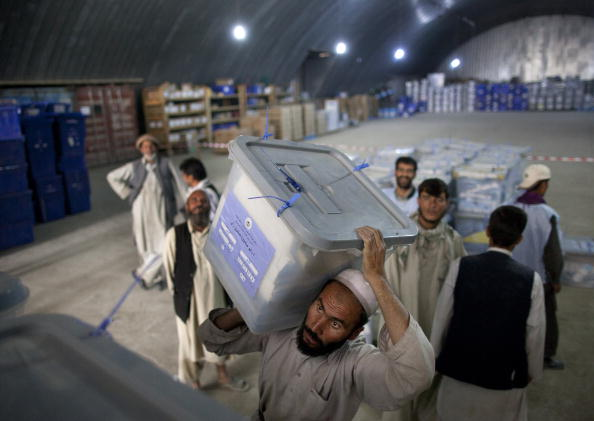 Kabul「Votes Counting Continues For Parliamentary Elections」:写真・画像(9)[壁紙.com]