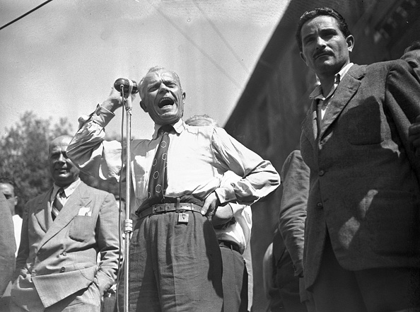 Effort「Sandro Pertini talks during a political meeting on the day of the assassination attempt of Palmiro Togliatti, July 1948.」:写真・画像(10)[壁紙.com]
