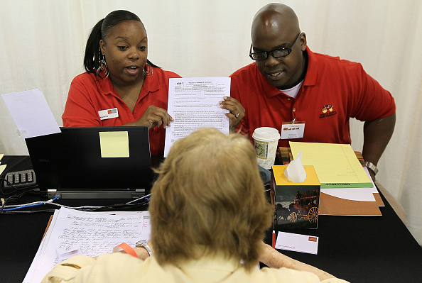 Paying「Mortgage Workshops Set Up To Help Wachovia And Wells Fargo Customers」:写真・画像(8)[壁紙.com]