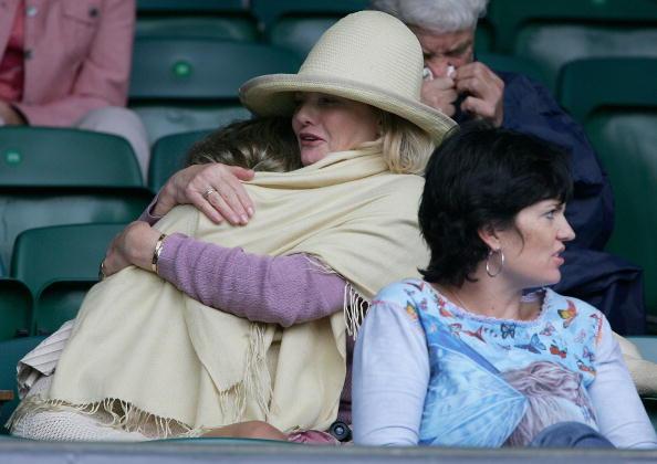 Jo Miller- South African Actress「Celebrities At Wimbledon 2004」:写真・画像(10)[壁紙.com]