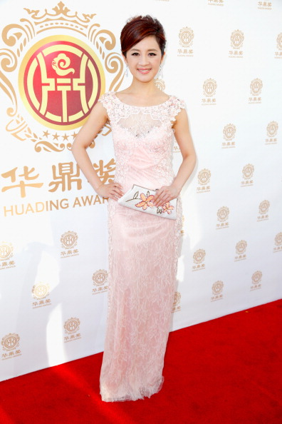 Pale Pink「Hollywood Celebrities Honored At Huading Film Awards」:写真・画像(8)[壁紙.com]