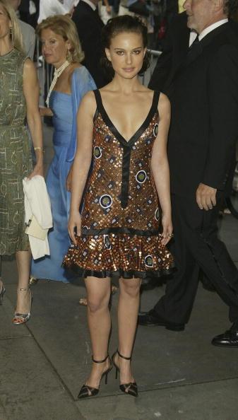 Metallic Dress「2004 CFDA Fashion Awards」:写真・画像(4)[壁紙.com]