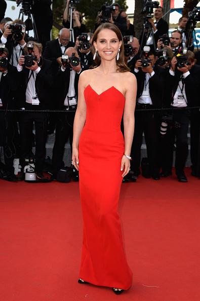 赤「Opening Ceremony & 'La Tete Haute' Premiere - The 68th Annual Cannes Film Festival」:写真・画像(12)[壁紙.com]