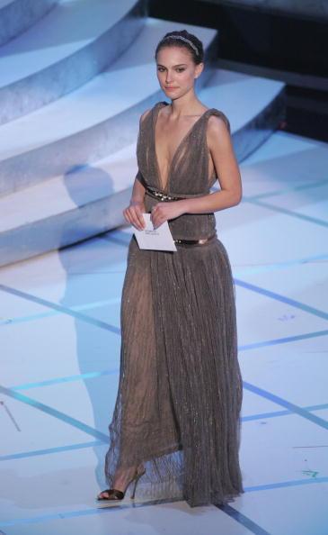 Evening Bag「The 77th Annual Academy Awards - Show」:写真・画像(2)[壁紙.com]