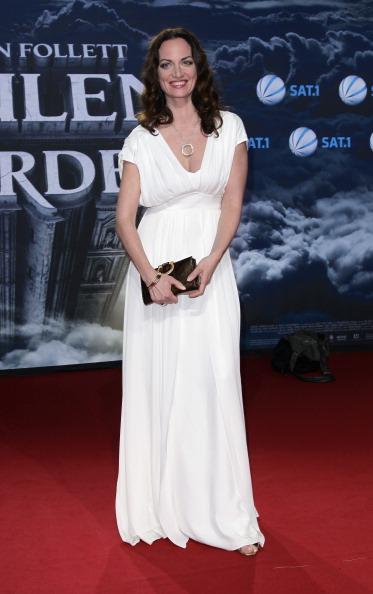 Clutch Bag「'The Pillars of the Earth' - Germany Premiere」:写真・画像(19)[壁紙.com]