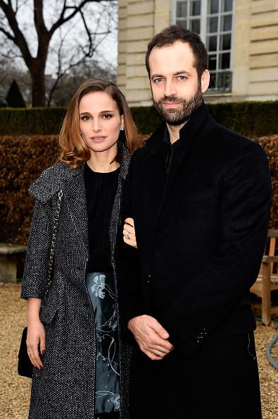 Husband「Christian Dior : Outside Arrivals - Paris Fashion Week - Haute Couture S/S 2015」:写真・画像(18)[壁紙.com]