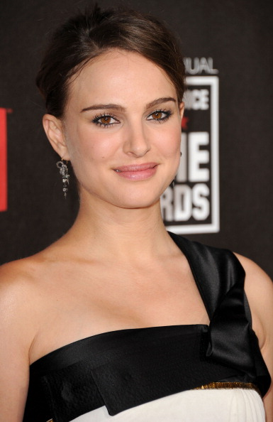 Eyeliner「16th Annual Critics' Choice Movie Awards - Arrivals」:写真・画像(8)[壁紙.com]