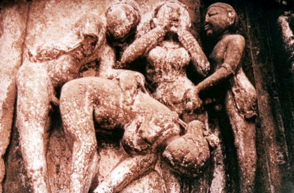 昼間「Erotic Sculpture, Hindu Temple, Khajuraho, India, 950 - 1050.」:写真・画像(18)[壁紙.com]