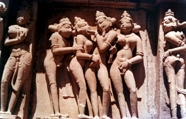 昼間「Erotic Sculpture, Hindu Temple, Khajuraho, India, 950 - 1050.」:写真・画像(11)[壁紙.com]