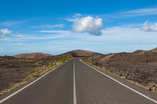 Empty Road「A road near Timanfaya National Park」:スマホ壁紙(16)