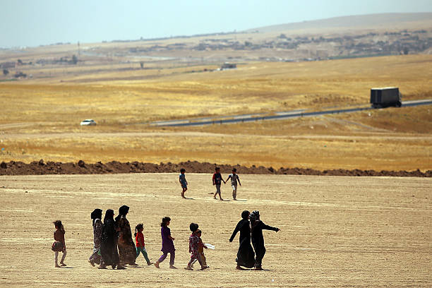 Refugees Fleeing ISIS Offensive Pour Into Kurdistan:ニュース(壁紙.com)