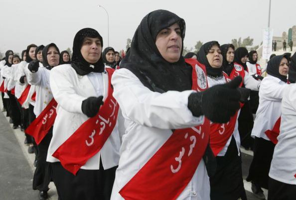 Sash「Iraqi Women March In Iraq In Defiance Of U.S. Threats」:写真・画像(12)[壁紙.com]