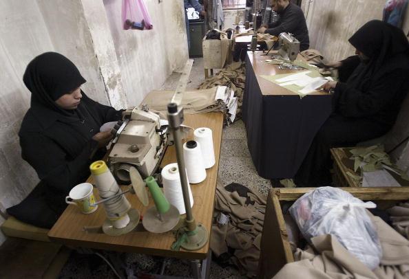 Religious Dress「Iraqi Women Under Pressure To Wear The Hijab Headscarf」:写真・画像(3)[壁紙.com]
