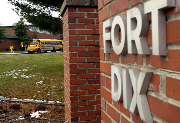 School Bus「Student Leaves School Located Near Fort Dix Military Reservation」:写真・画像(15)[壁紙.com]